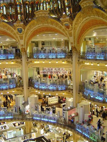 法国巴黎商场内部