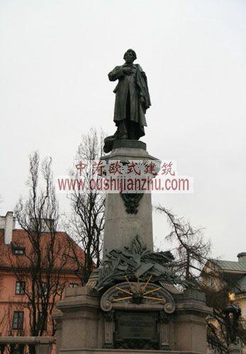 波兰华沙帝王之路旁的亚当·密茨凯维奇(Adam Mickiewicz)铜像