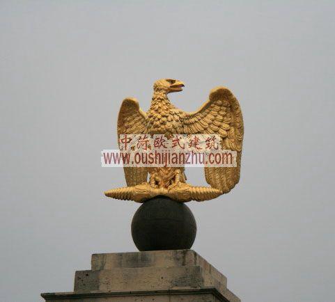 法国枫丹白露宫精致的雕塑