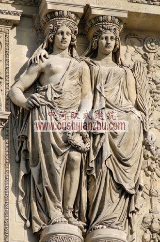 法国卢浮宫室外雕塑