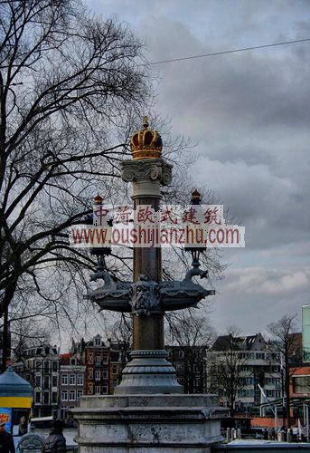 荷兰新阿姆斯特丹新阿姆斯特尔桥桥头装饰
