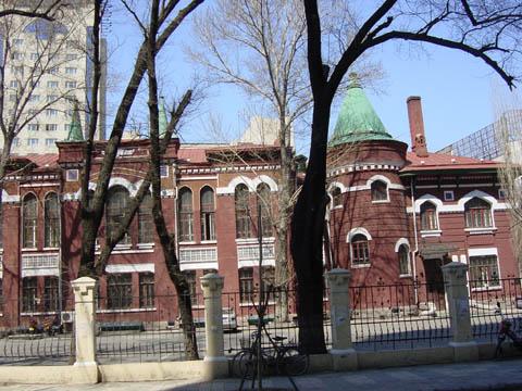 哈尔滨的欧式建筑风格:浪漫主义10