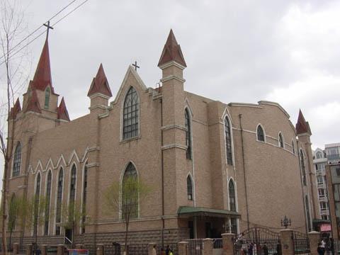哈尔滨的欧式建筑风格:教堂建筑22