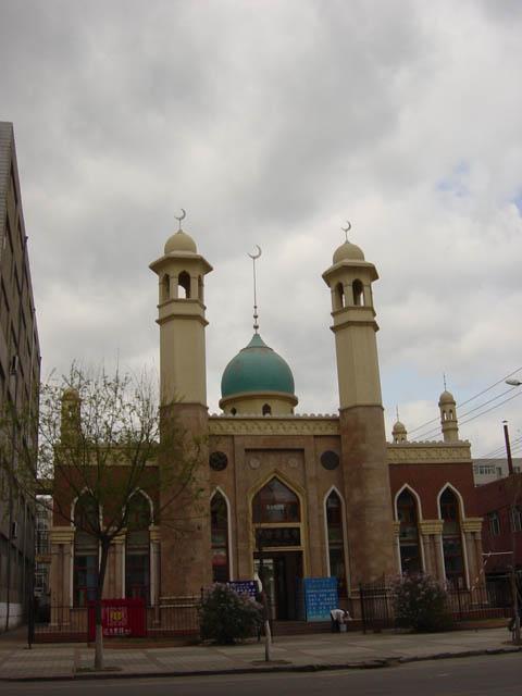 哈尔滨的欧式建筑风格:教堂建筑35