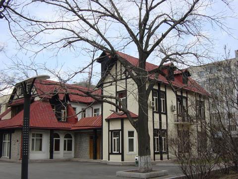 哈尔滨的欧式建筑风格:别墅建筑6