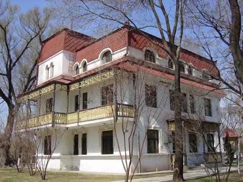 哈尔滨的欧式建筑风格:别墅建筑17