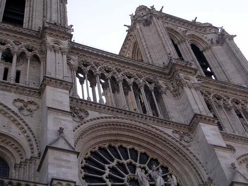 巴黎圣母院的栏杆