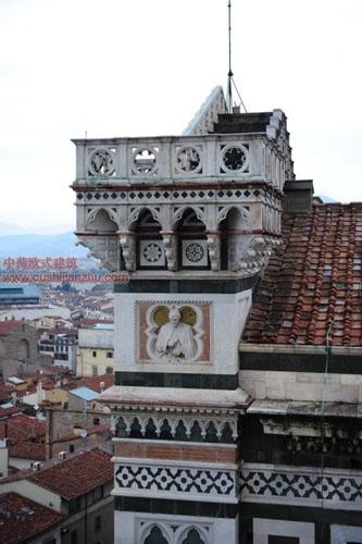 圣母百花大教堂门楣