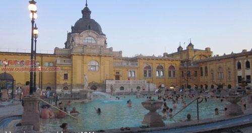 塞切尼温泉浴场2