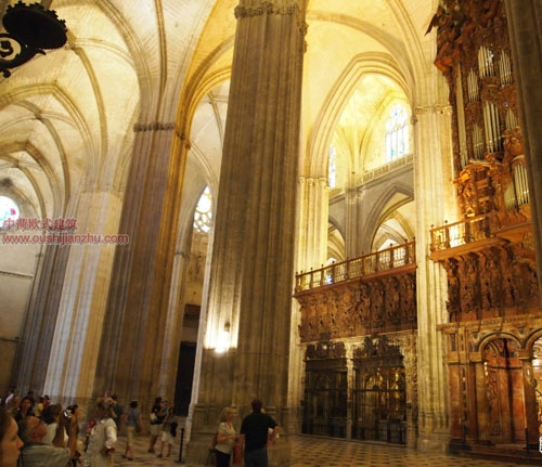 卡泰多拉尔大教堂8