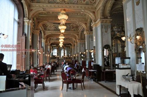 布达佩斯纽约宫咖啡厅4