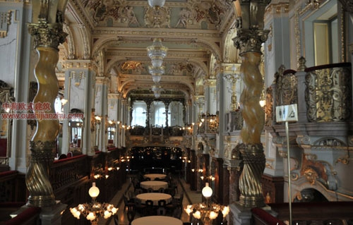 布达佩斯纽约宫咖啡厅10