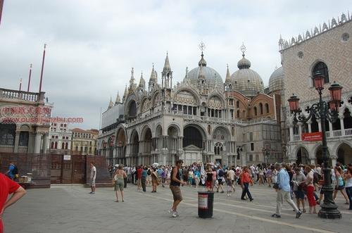 威尼斯23