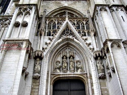 布鲁塞尔圣米歇尔大教堂7