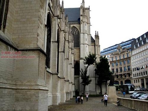 布鲁塞尔圣米歇尔大教堂14