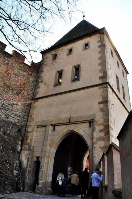 捷克卡尔斯坦城堡8