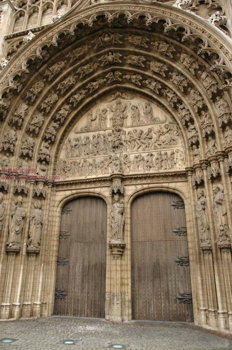 欧式建筑-圣母大教堂2