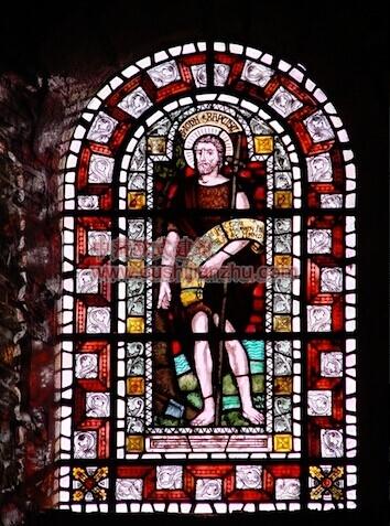 教堂的彩窗画6