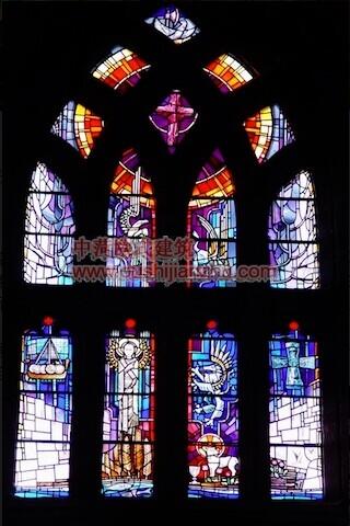 教堂的彩窗画15