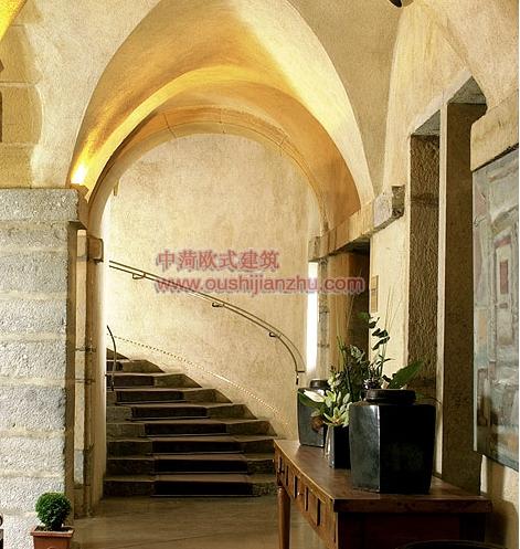 完美修缮的文艺复兴时期建筑2