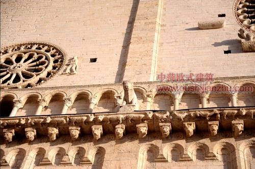 阿西西古镇的圣鲁菲诺教堂3