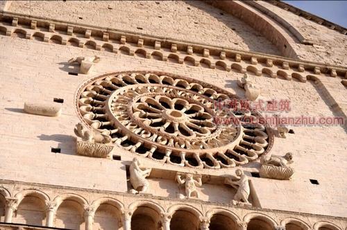 阿西西古镇的圣鲁菲诺教堂2