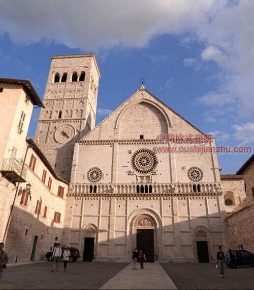 阿西西古镇的圣鲁菲诺教堂1