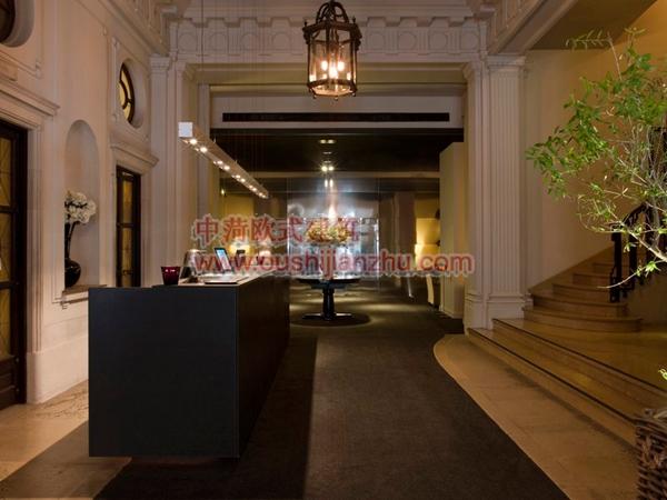 巴塞罗那Grand Hotel Central5